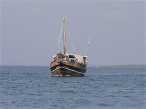 Dhow en route to Kisite Mpunguti Marine Park