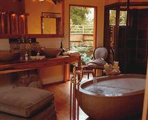 Tsala suite bathroom