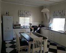 Farmhouse Suite kitchen