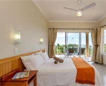 Be captivated by a 90 degree sea view from the main bedroom