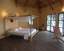 View of the Island Ocean Suite rooms. © Lou Moon Lodge