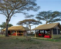 Well planned lounge and dining tents