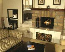 Luxury Suite Lounge © Urban Hip Hotels – The Highlander
