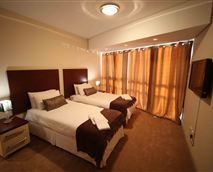 Twin bedroom with two single beds