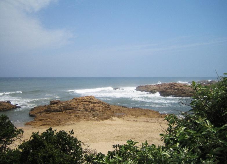 Lawrence Rocks Beach