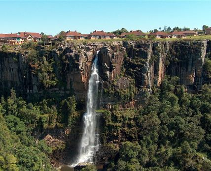 Mogodi Lodge - Waterfall view