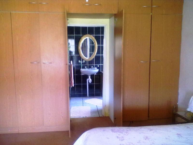 Guest En Suite Bathroom: Klaar Gesukkel Guest House