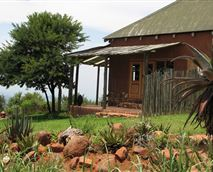 Thora Boloka Cottage has amazing views into the valley  © Copyright:  Kurisa Moya Nature Lodge (Ben de Boer)