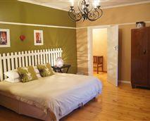 Aloe bedroom
