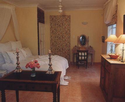 The romantic Pomegranate bedroom