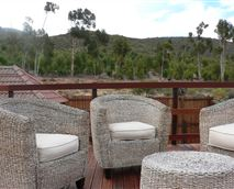 Relax on the deck © Mountain View Lodge Montagu