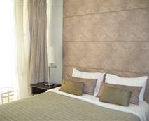 Master en-suite bedroom © Hubbard Hospitality CC
