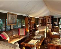Library © Entim Camp