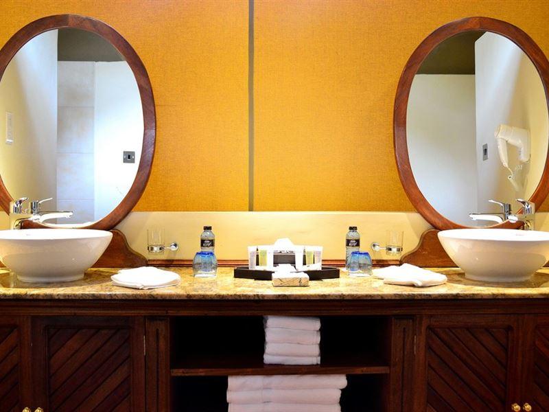 En Suite Bathroom South Africa: Kiboko Luxury Camp