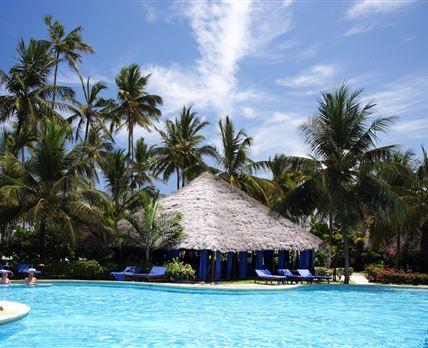Pool © Breezes Beach Club and Spa