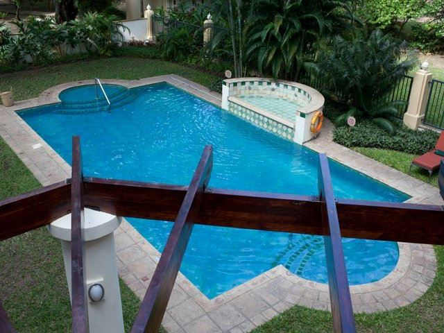 Southern sun dar es salaam for Swimming pools in dar es salaam
