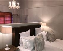 Luxury Twin bedded room No 12