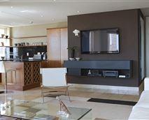 701 Carradale living area