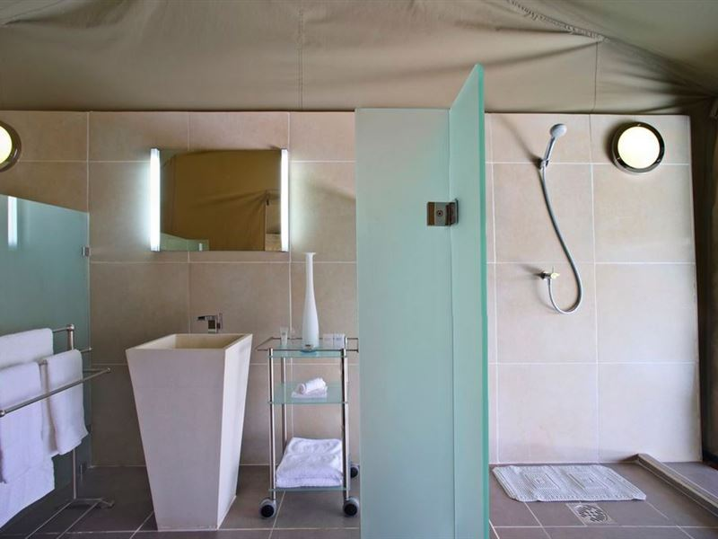 Ngerende in the wild riverview for Bathroom e pod mara