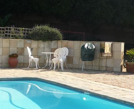 Pool and out door braai area