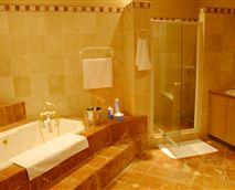 Honeymoon Room - bathroom