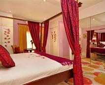 Room 1 - Romantic Room