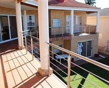 Makisaki 1 balcony