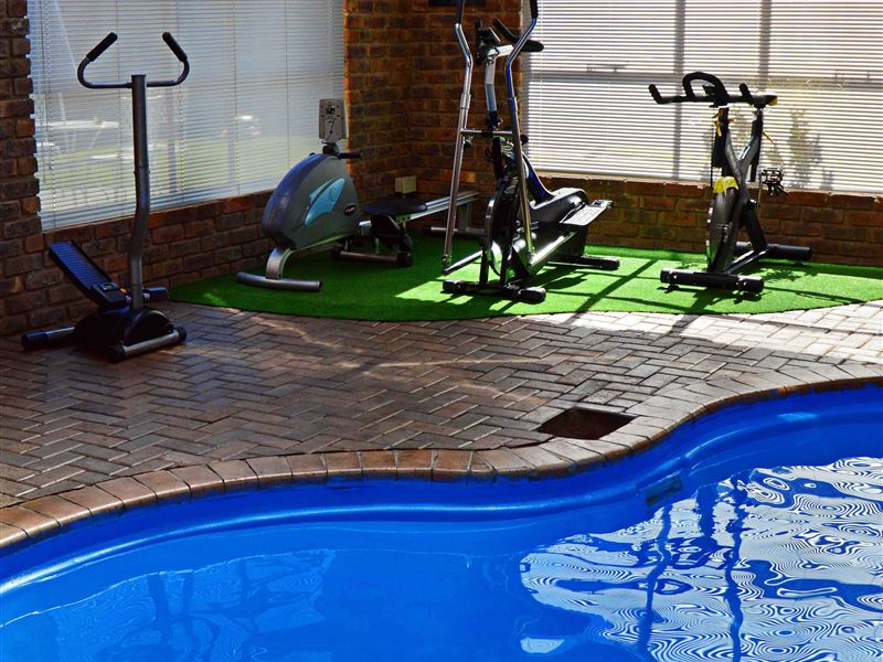 indoor heated swimming pool syracuse - photo#34