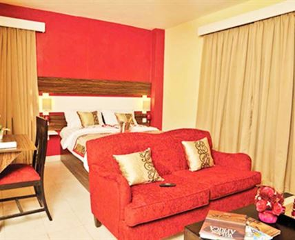 Bingwa Superior Suite with a Lounge Area