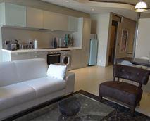 Metro 1B lounge, kitchen and dining