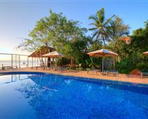 Swimmimg pool © Mediterraneo hotel Dar es Salaam