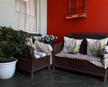 The relaxing patio © Estralita Guest House