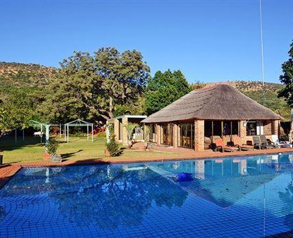 Pool and braai area