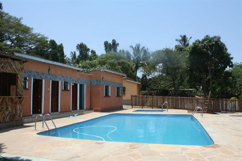 Parkview safari hotel and apartments for Hotels in kisumu with swimming pools