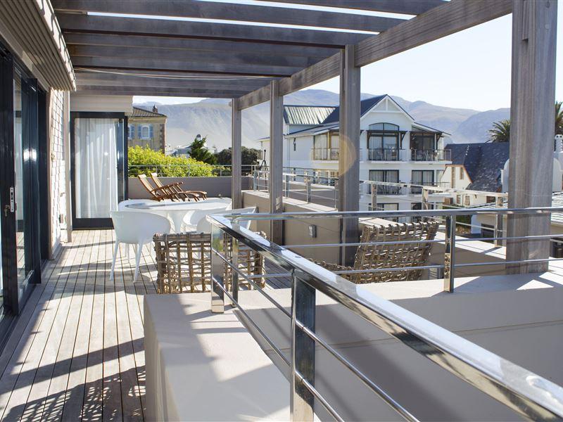 Le Paradis Penthouse Apartment