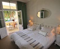 bedroom - twin beds