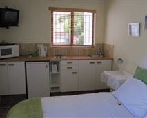 Fiddlewood Cottage interior