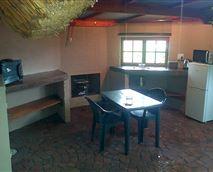 Kitchen/braai area