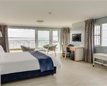Enjoy spacious accommodation from our one bedroom suite