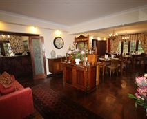 Enjoy fabulous breakfasts in our dinning room. © Dunning Country House