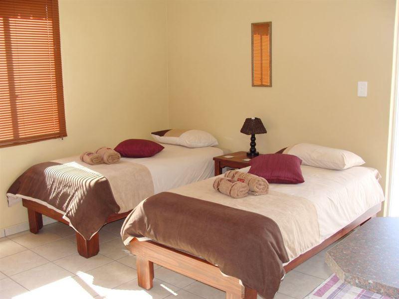Trupen garden accommodation camping for Garden guest room