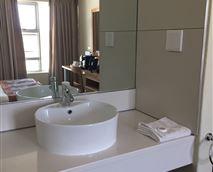 Washbasin setup in room