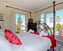 Holiday Accommodation Blouberg Cape Town Main BedroomSeaview © surfsailsleep.co.za
