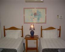 Bedroom Twin beds Room 3