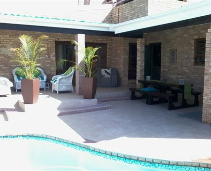 Entrance Unit B with shared pool