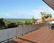 First floor patio balcony with BBQ facilities, pool and sea view. © www.rockcodhouse.co.za