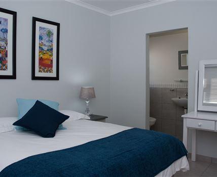 Main bedroom - En suite bathroom