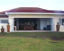 Front view of home.