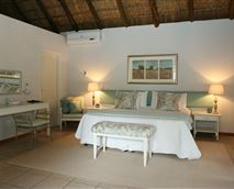Spaciousness of suite © Holkrans Guest Lodge