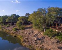 11 chalets are located on the banks of the Klaserie River.  © Em Gatland